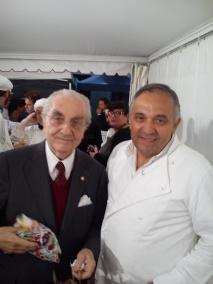 Gualtiero Marchesi con Franco Malinverno durante una cena 3Gamberi