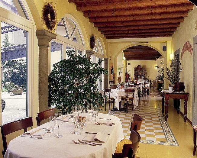 Trattoria Visconti veranda